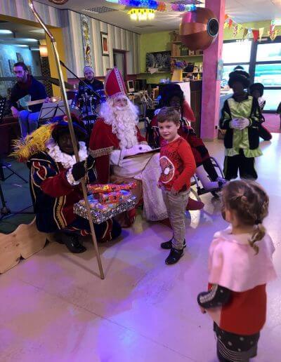 36-kindertjes-naar-Sinterklaas